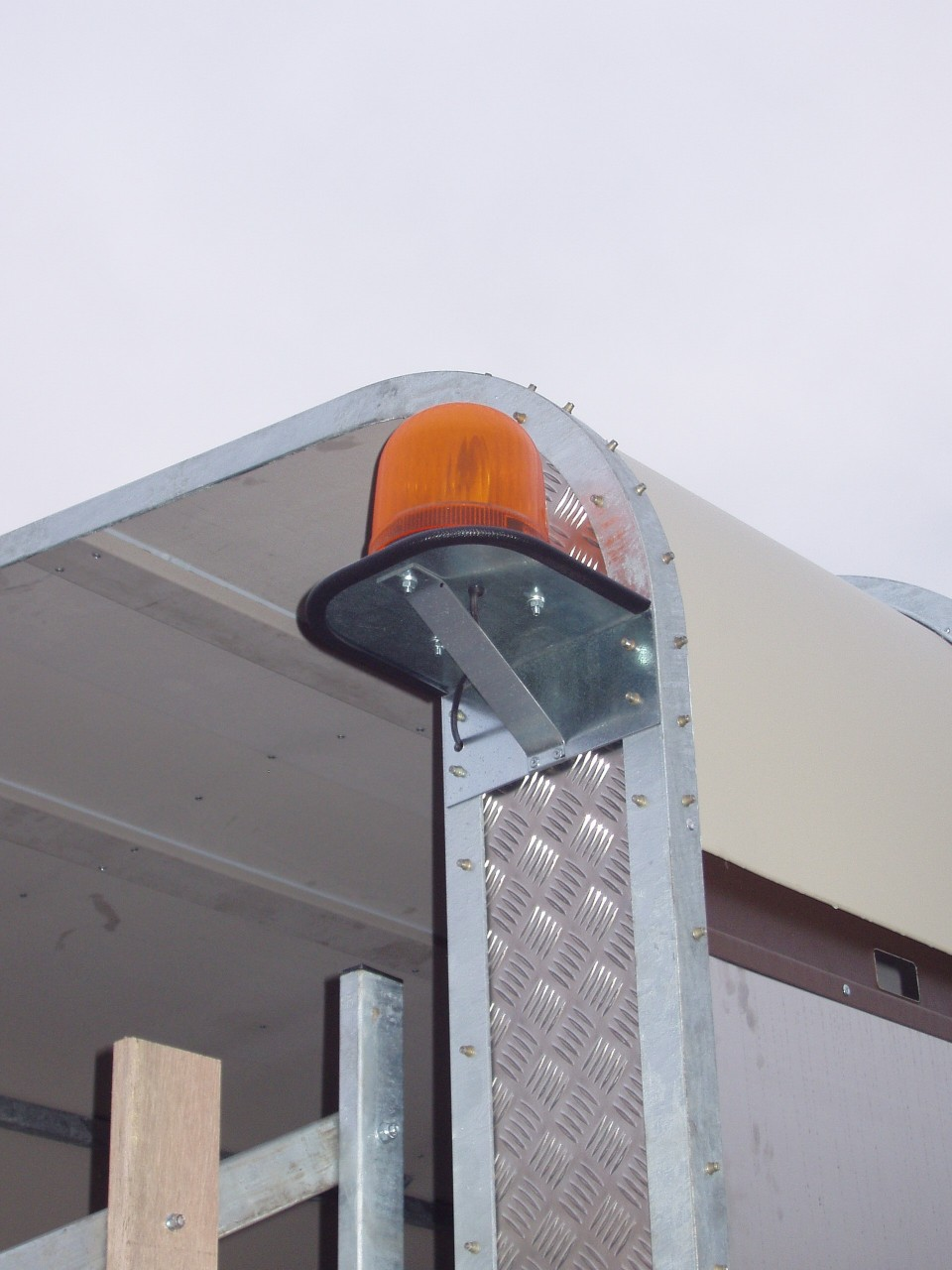 Optional Amber Beacon on Rear Corner
