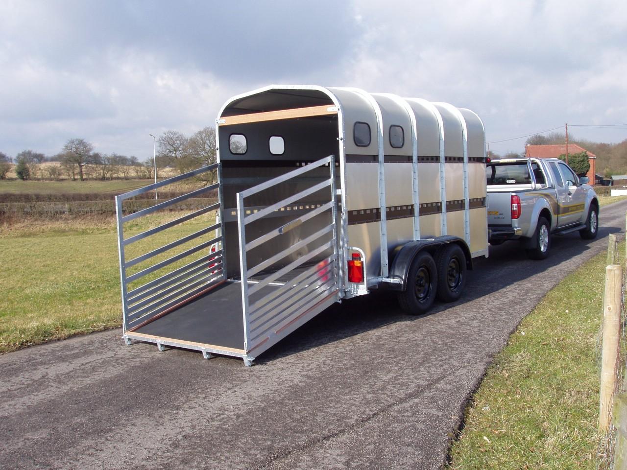 48hb 12 X 5 8 X 7 Livestock Trailer Bateson Trailers