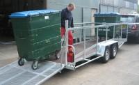 Bin trailer Loading
