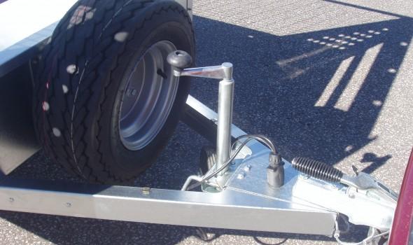 Optional 34mm jockey wheel