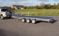 Extra 3rd Axle with wheels and Tyres 4 stud