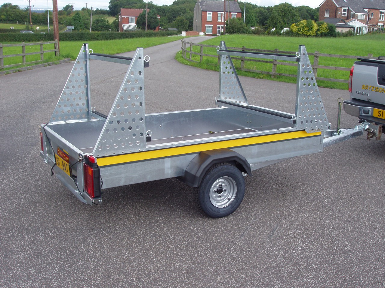 B84c Canoe Kayak Or Dinghy Trailer Bateson Trailers
