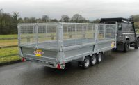 PF50 with a third axle, steel sides, mesh extensions and LED lights