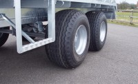 Side step with wide wheel option