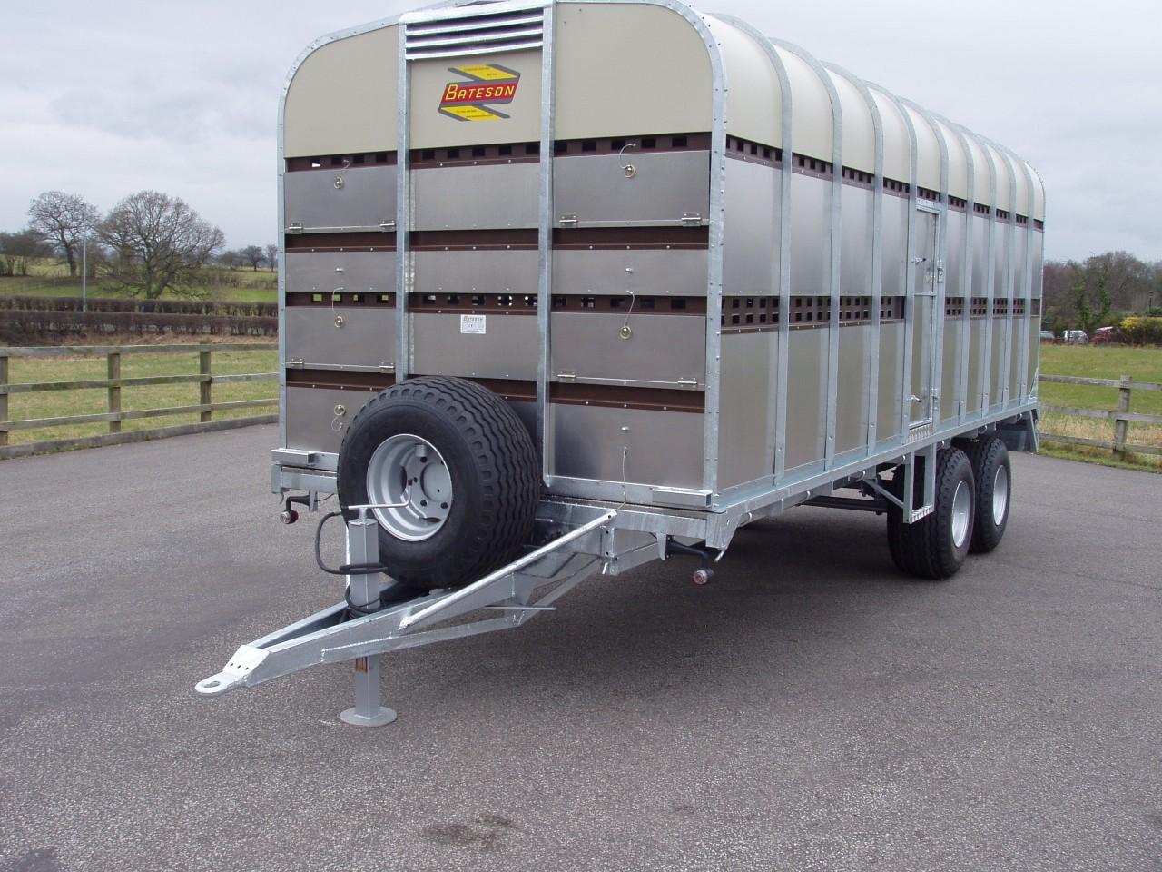 Tractor Trailer Stock : Lt ′ livestock tractor trailer bateson trailers