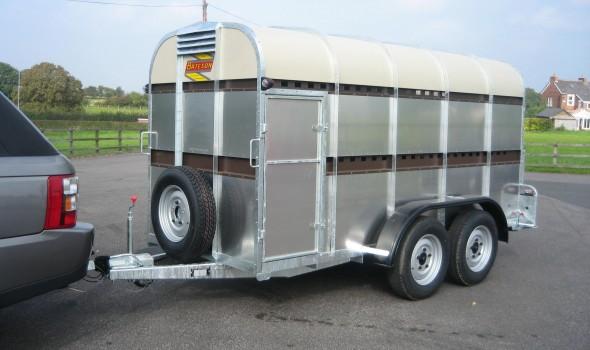 47LT 12' x 5' Landrover Wheels